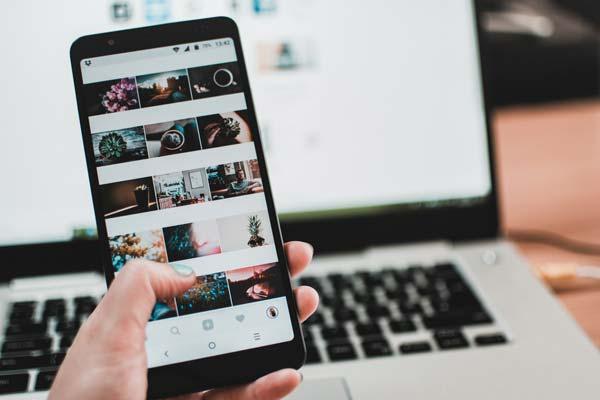 Social Media Közösségi Media Telesto